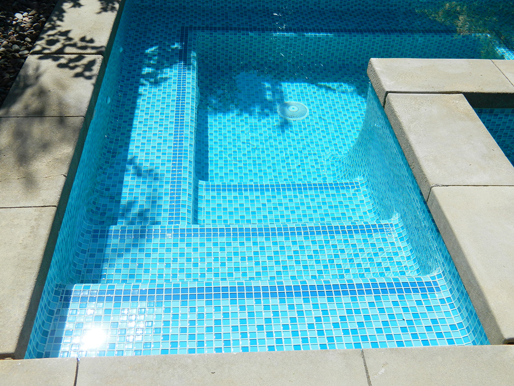 Sun City spa remodel, aqua three color tile mix, dark contrast accent