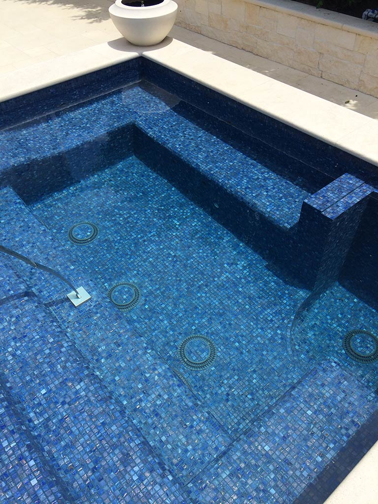 Home - Desert Glass Pools, Inc.