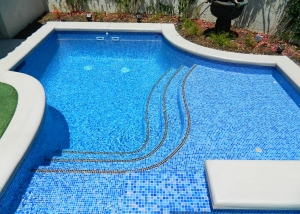 Rancho Mirage New Pool & Spa, Custom Gold Accent Tile